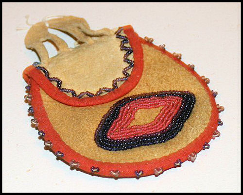 Choctaw beaded pouch - Public Domain via Wikimedia Commons